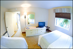 Side View Suite with 2 Queen Beds